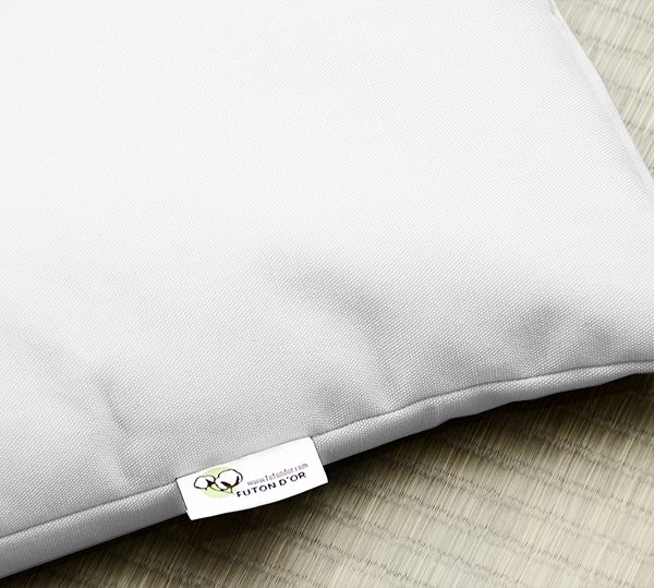 buckwheat pillow oreiller sarrasin sur tatami nat